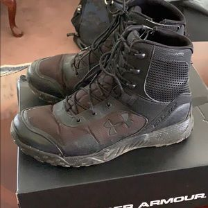 # 544 UNDER ARMOUR BOOTS PRE-WORN SOME DAMAGE